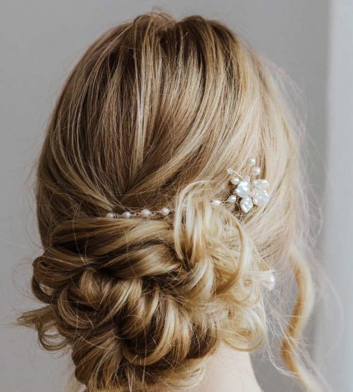 Handcrafted pearl bridal hair chain made by Carrie Whelan Designs
