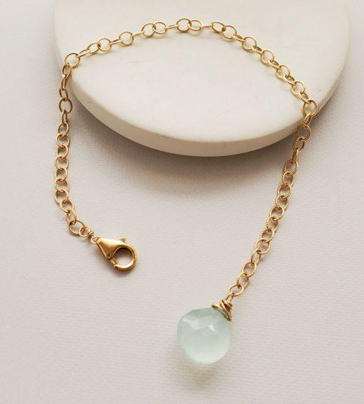 Aqua chalcedony twisted chain bracelet handmade by Carrie Whelan Designs